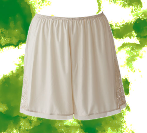 フレアパンツ Aライン・プリンセスラインのドレスにもおすすめ!足さばきを良くするブライダルインナー(BRIDALBEAUTÉ)