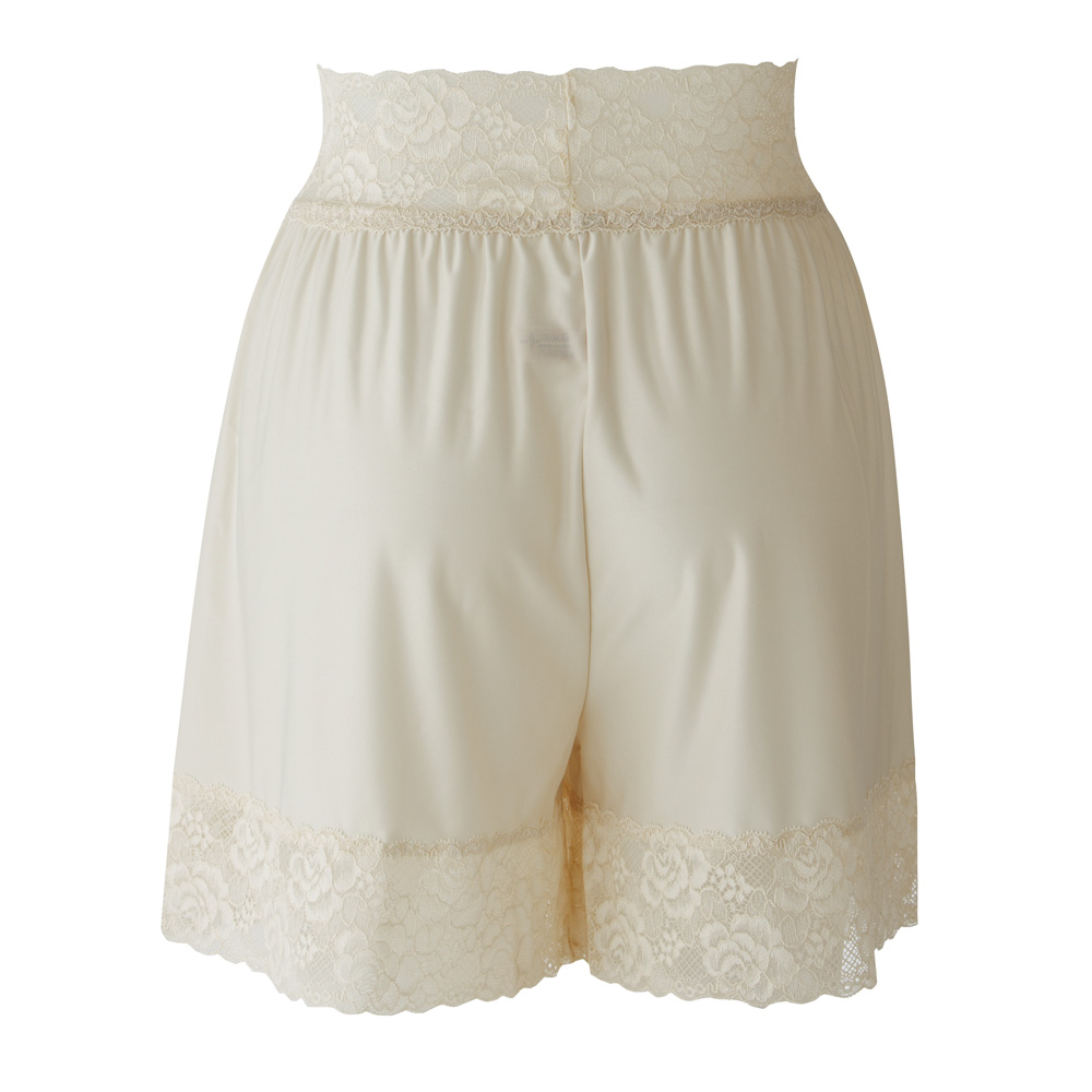 3Dフレアパンツ ご結婚式や披露宴時のウエディングドレスの足さばきを快適にするブライダルアイテム(SQREBEAUTÉ)