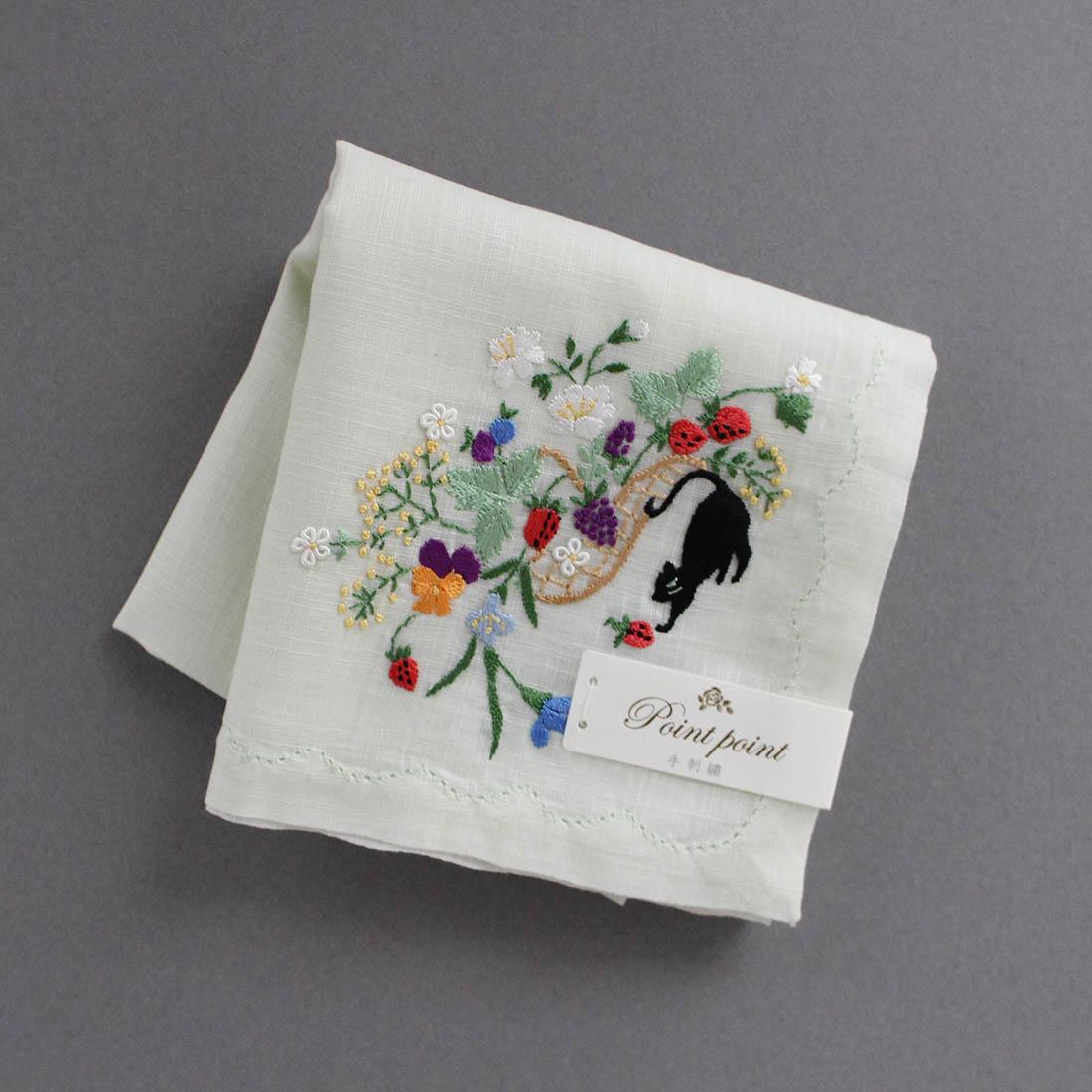 ポワンポワン ベトナム手刺繍ハンカチ 果物とネコ ライトグリーン