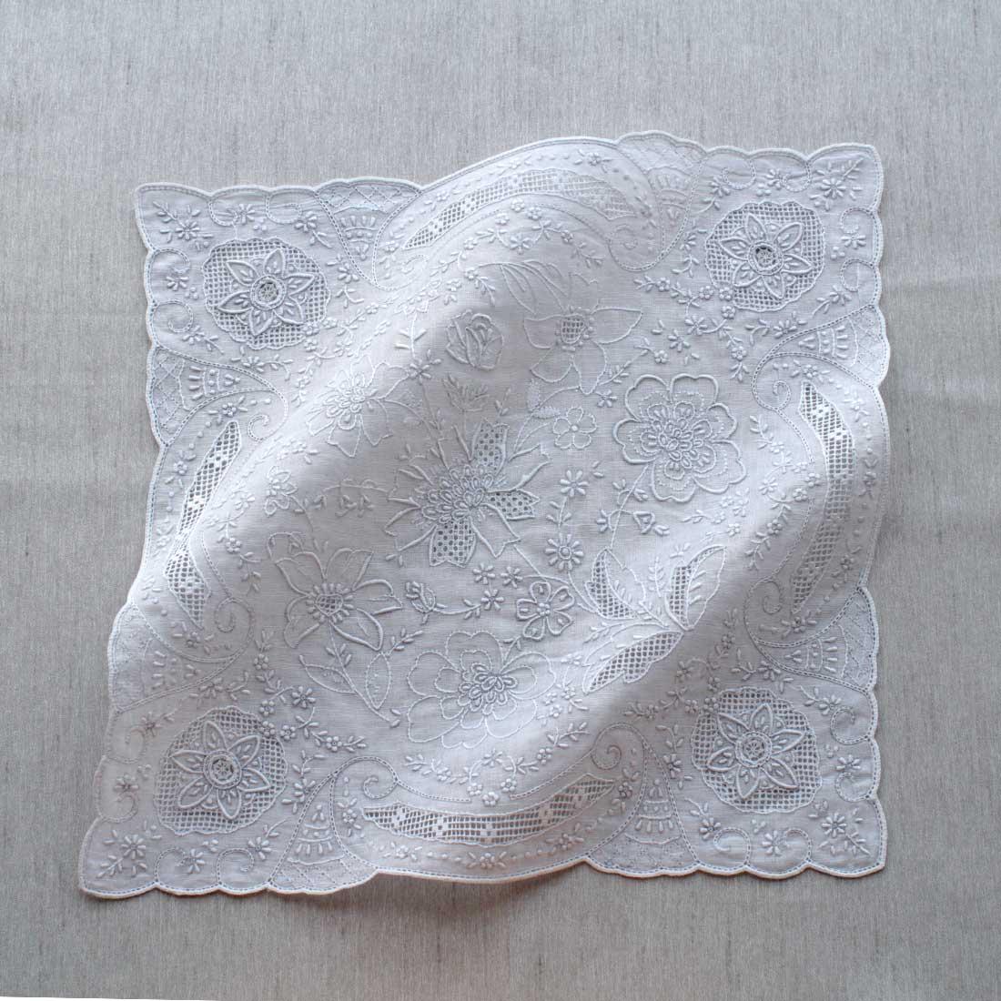 【送料無料】汕頭手刺繍 ハンカチ 2330