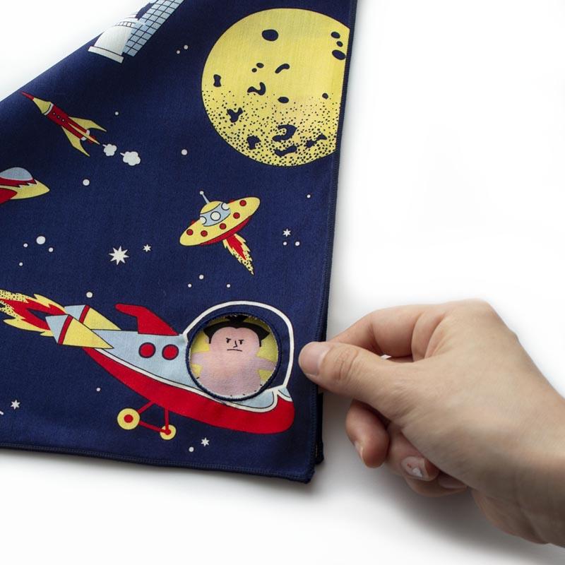 宇宙旅行 ブルーミーズ 穴あきリバーシブルハンカチ 8521