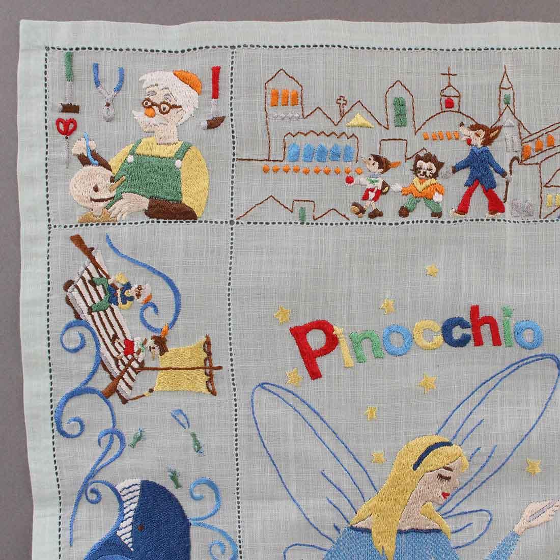 【送料無料】ベトナム手刺繍ハンカチ 絵本シリーズ ピノキオ 7402 グリーン