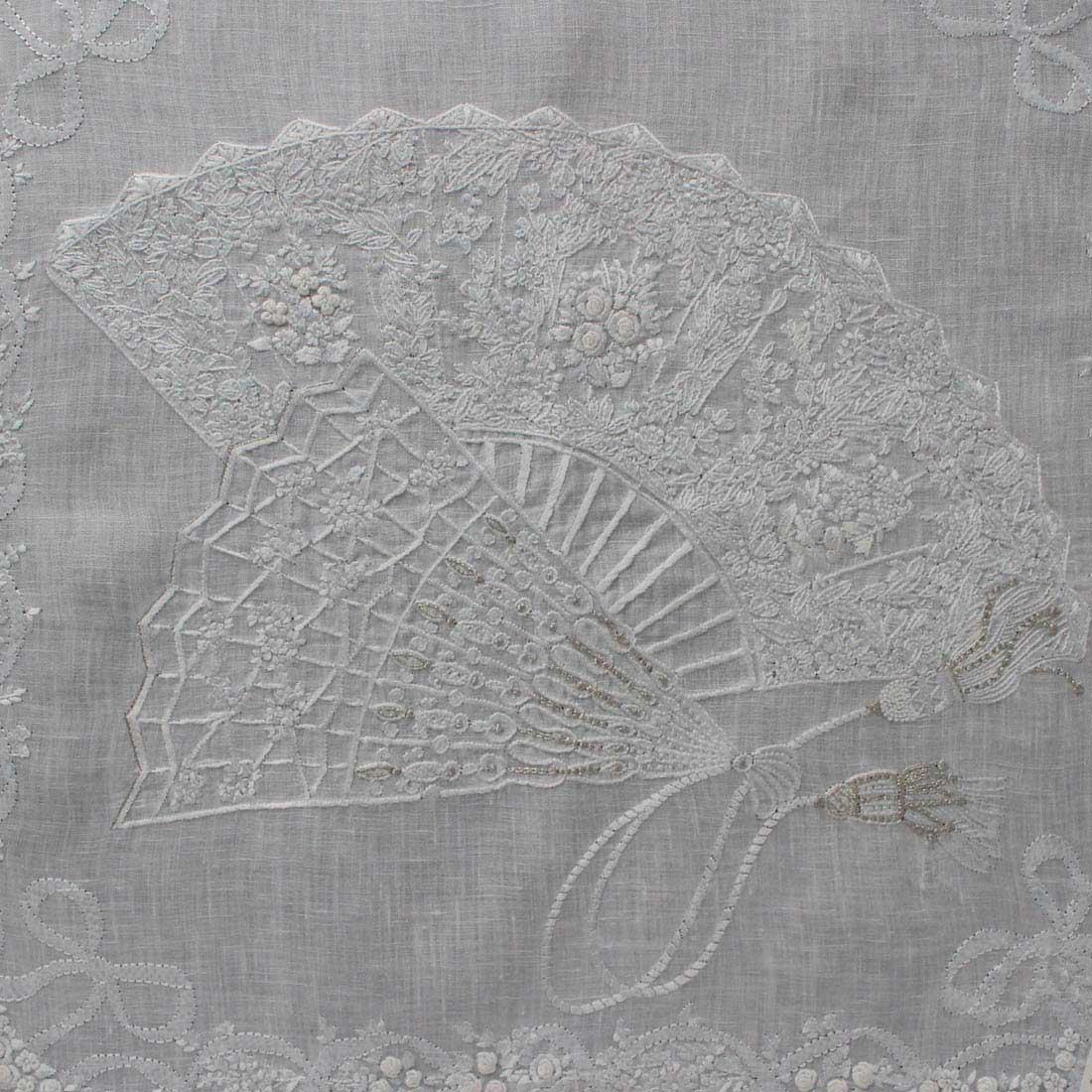 【送料無料】ベトナム手刺繍ハンカチ 扇子デザイン 6211 ブルー