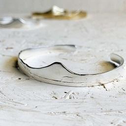 <treasured friends>Shichirigahama Bangle Silver