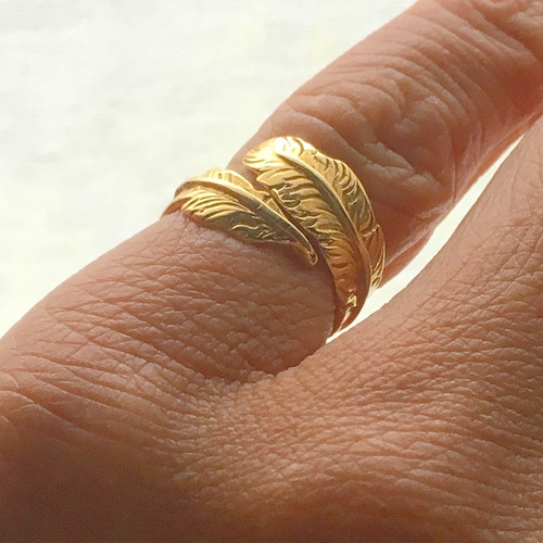 <treasured friends>18金  Gold Long feather ring