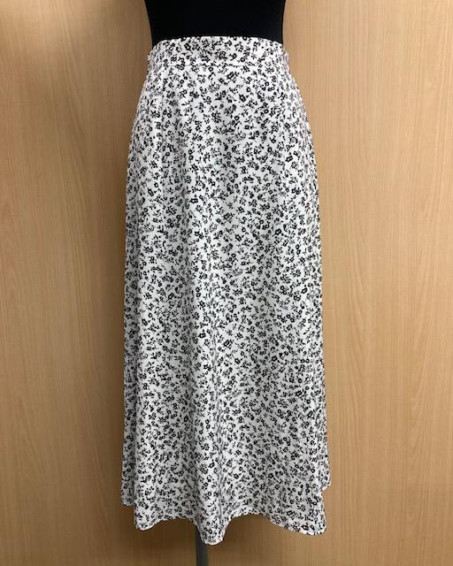 【scrapple】小花柄ロングスカート