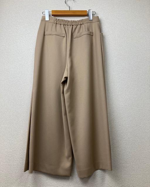 裾ベンツ入りワイドパンツ