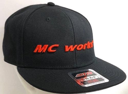 MC works'/フラットバイザーキャップ