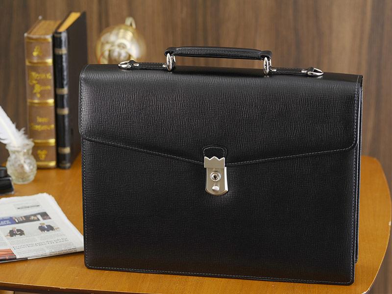 青木鞄 Lugard 鍵付き2層ブリーフケース B4対応 BALBOS ブラック