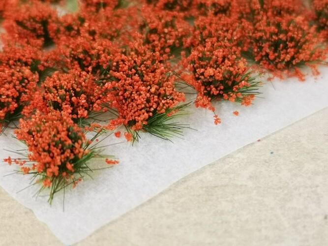 Large Flower Tufts Orange