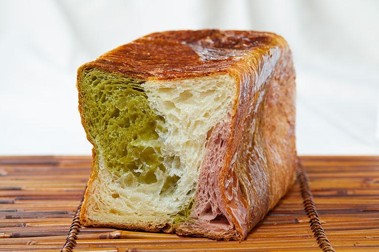 京都祇園ボロニヤ  デニッシュ食パン     苺三色 3斤1本