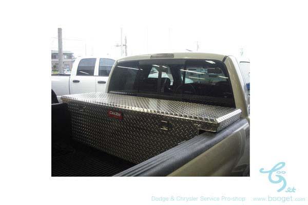 ダッジ・フォード・シボレー フルサイズピックアップ用 汎用トラックツールボックス ブラック