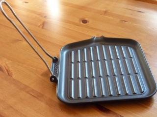 ステーキ用鉄フライパン  (中)  再入荷しました。