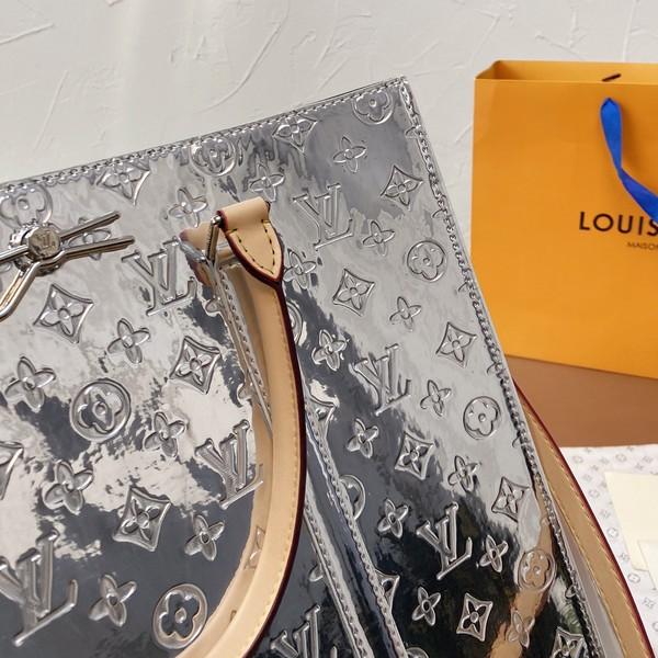 LV ルイヴィトン LOUIS VUITTON  【送料無料】  トートバッグ  サイズ: 39x36  【2021/09/08*150】 商品コード:GEKIYASU  L-005329