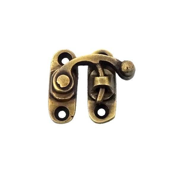 真鍮 アンティークゴールド 留め金具Q008