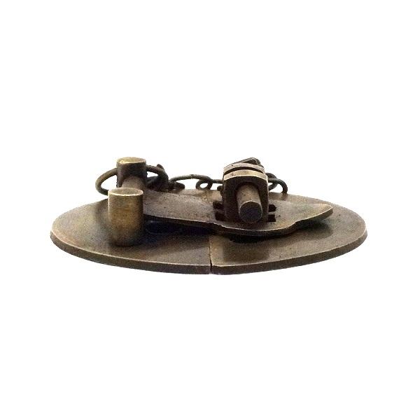 真鍮 アンティークゴールド 留め金具Q014