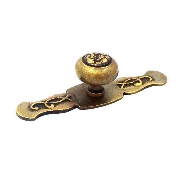 真鍮 アンティークゴールド つまみO008