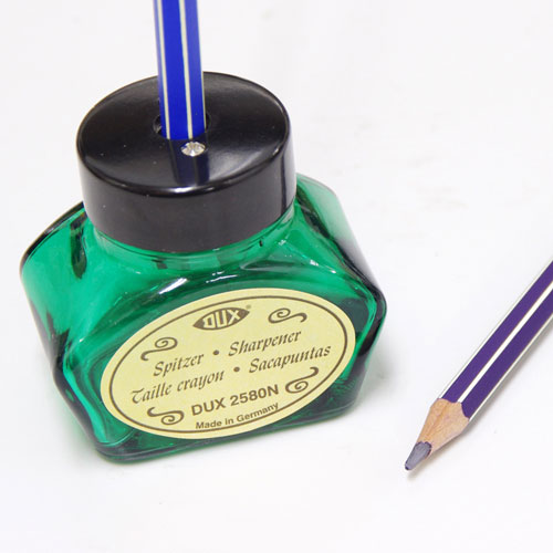 インクボトルの形をしたかわいいシャープナー シャープな切れ味のドイツ製 DUX インクボトル型シャープナー DX2580