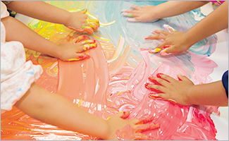 幼稚園で大活躍☆ 手や指で安全に描ける絵の具 ぺんてる ゆびえのぐ8色セット