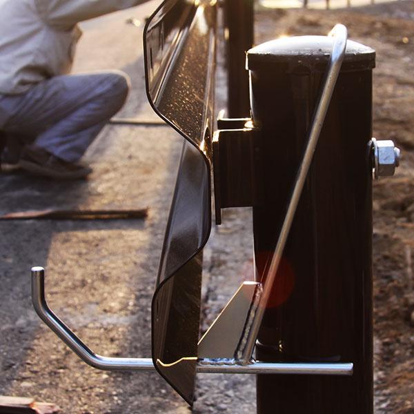 特許取得キャムズオリジナル ガードレールハンガー B・C種φ114.3用