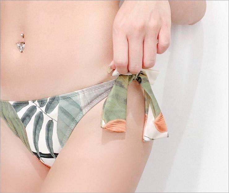 Orchid ボタニカル柄ホルタービキニ
