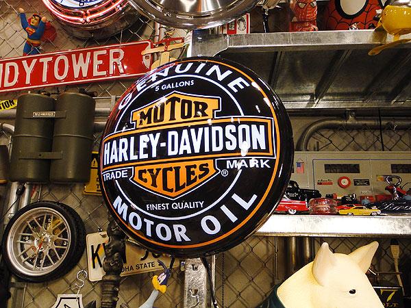 ハーレーダビッドソンのオイル缶パブライト