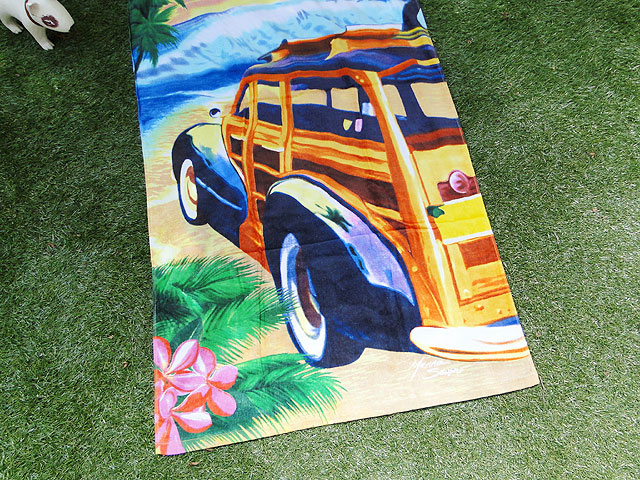 サーフウッディワゴンのビーチタオル