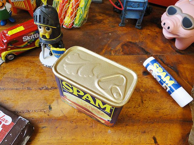 スパム缶スクイーズ