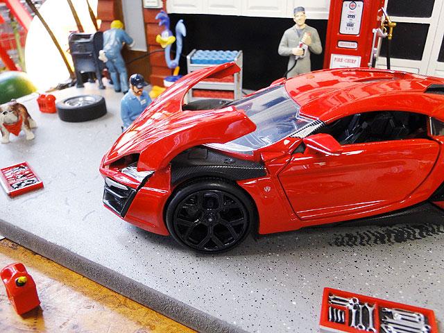 Jada 映画「ワイルドスピード」のダイキャストモデルカー 1/24スケール(ライカン・ハイパースポーツ)