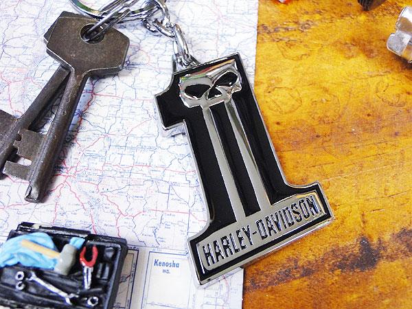 ハーレーダビッドソンのメタルキーリング(ナンバーワンロゴ/ウィリースカル)