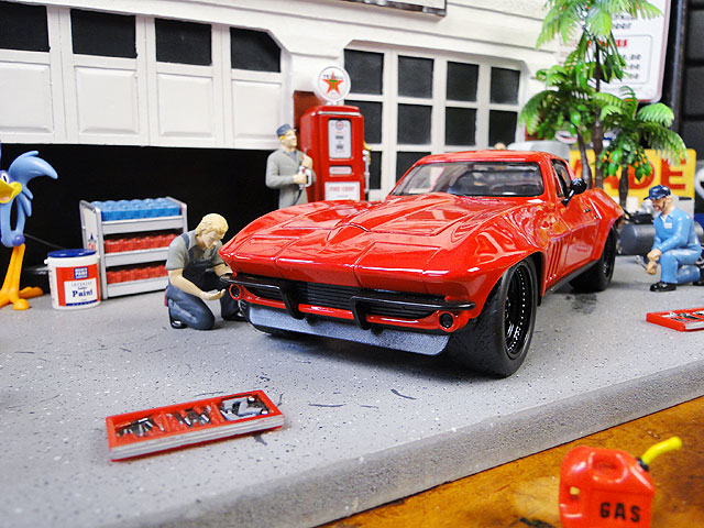 Jada 映画「ワイルドスピード」のダイキャストモデルカー 1/24スケール(レティ/シボレー・コルベット)