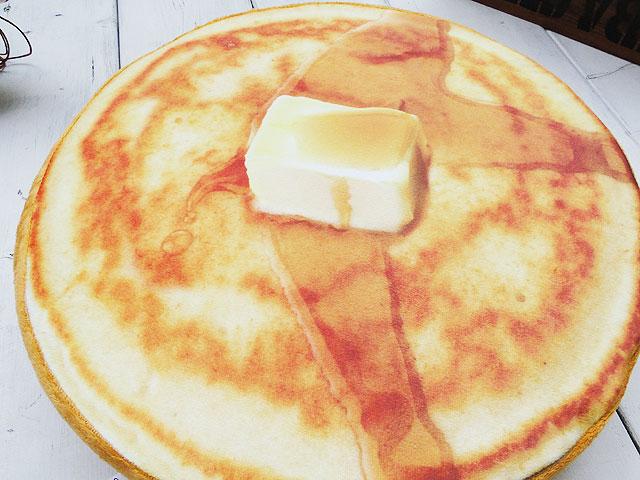 リアルスイーツのフロアークッション(パンケーキ)