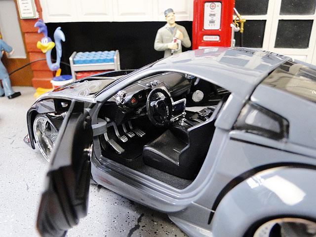 Jada 映画「ワイルドスピード」のダイキャストモデルカー 1/24スケール(D.K./ニッサン350Z)
