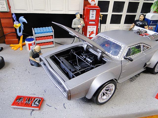 Jada 映画「ワイルドスピード」のダイキャストモデルカー 1/24スケール(ドム/アイスチャージャー)