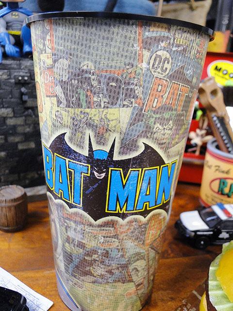 アメリカンヒーローのパーティーカップ(バットマン)