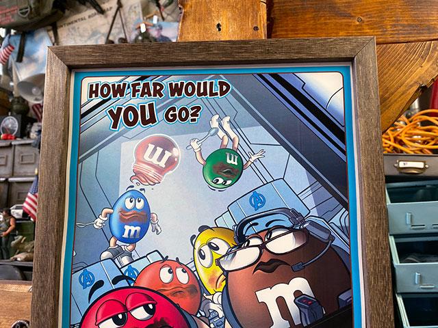 ポスターフレーム(m&m's/HOW FAR WOULD YOU GO?)