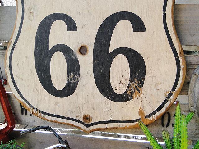 ルート66のロードサイン木製看板