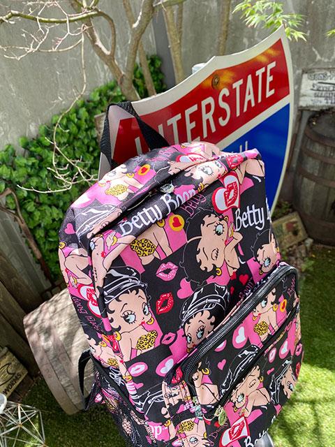 ベティ・ブープのバックパック(ブラック&ピンク)