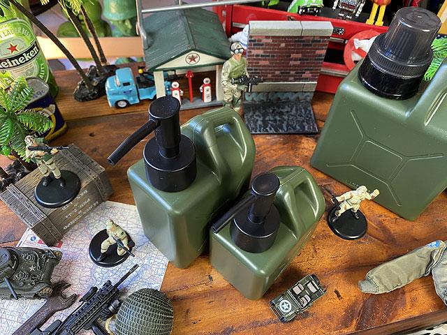 モールディング ジェリ缶型ソープディスペンサー SサイズとLサイズの2個セット
