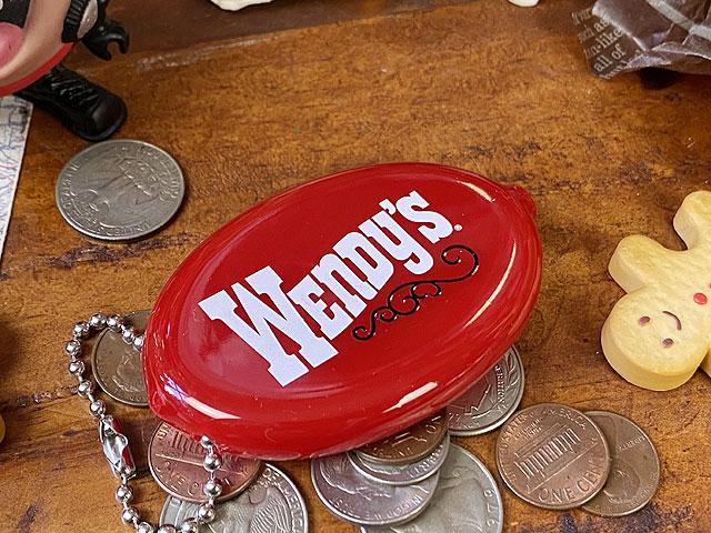 ウェンディーズのラバーコインケース(レッド)