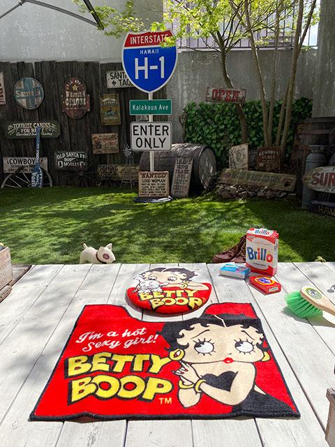 ベティ・ブープのトイレマット単品(レッド) ※トイレカバーは別売