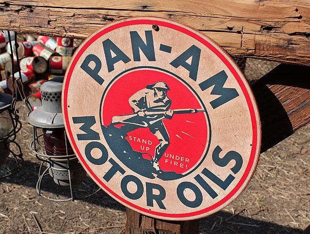 アメリカンガレージのウッドサイン シリーズ第二弾(パンナム・モーターオイル)