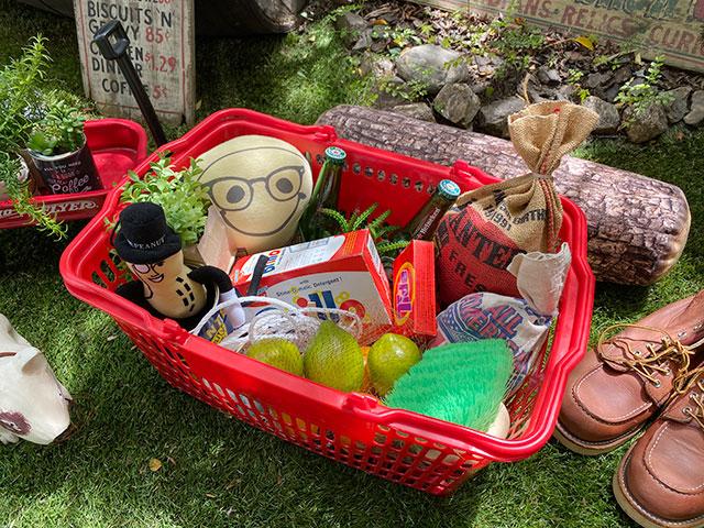 業務用スーパーマーケットの買い物カゴ USED品(レッド)
