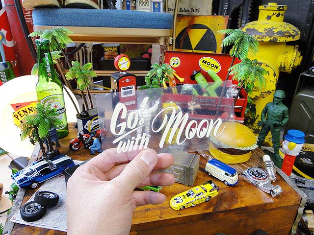 ムーンアイズのピンストライプステッカー(Go!withMoon)