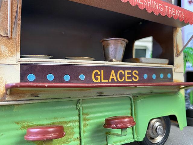 ピザ屋さんの移動販売車のブリキオブジェ