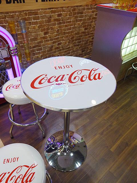 コカ・コーラ ラウンドテーブル(ホワイト)