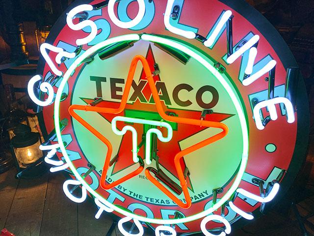 テキサコのオフィシャルネオンサイン
