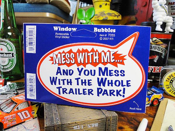ウィンドウバブルステッカー(私にちょっかいを出すとこの大型駐車場のトレーラー全員にちょっかいを出す事になるぞ!)