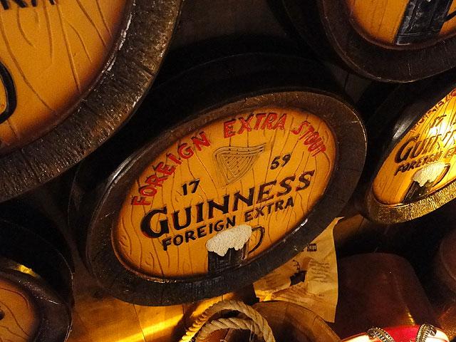 ギネスのビア樽型ウォールオブジェ(Lサイズ)