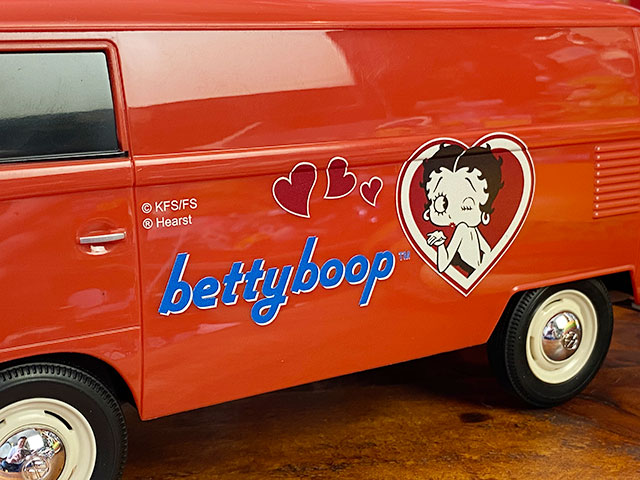 「ベティ・ブープ」コラボモデル ワーゲンバスのティッシュボックス(ブリックレッド)